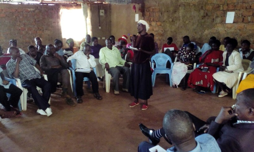 In Mount Elgon, nonviolent activists help a divided community re-pledge their commitment to peace. Photo: Turning the Tide Kenya.